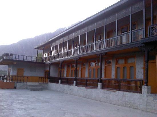 Hotel Hunza Embassy: Corridor View