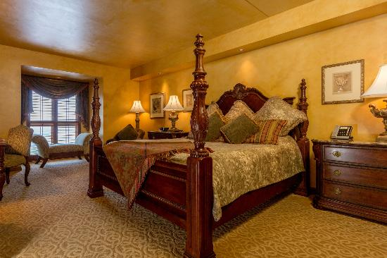 Chateau on the Lake Resort & Spa: VP Suite