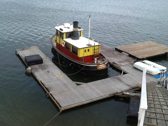 "AnchorLight Bed and Breakfast : Tugboat ""Maggie"""
