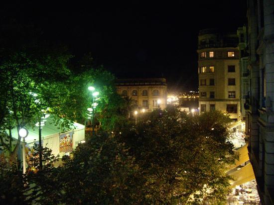 Pension Alameda : Vista desde el balcón...de día se ve la playa!
