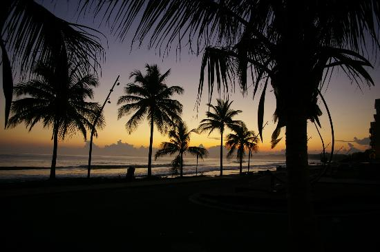 Luquillo Sunrise Beach Inn: Sunrise