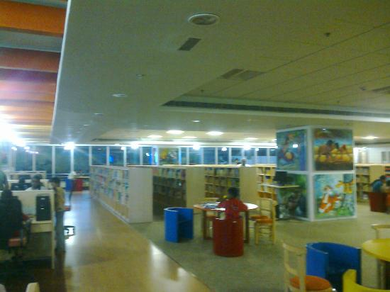 The Anna Centenary Library: Interiors....is it govt building?!