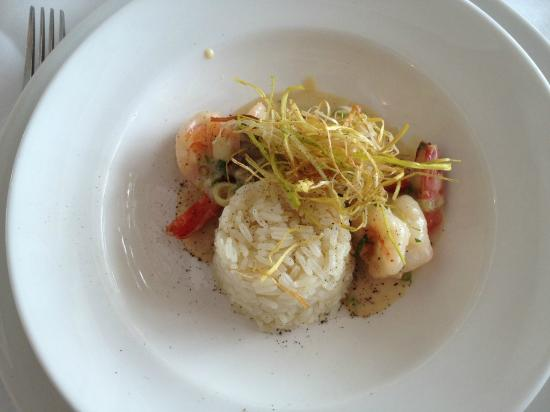 Omeros Bros Seafood Restaurant: My Meal - Garlic Prawns and Rice