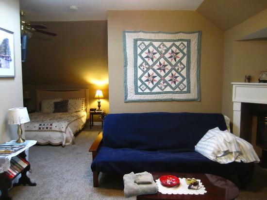 MayneView Bed & Breakfast: Huguenot Knight Suite