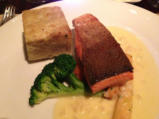 Bloomfield Carriage House: Wild sockeye salmon fillet with fennel potato gratin and pernod beurre blanc