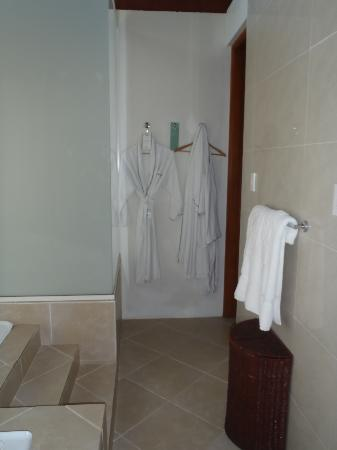 Shangri-La's Fijian Resort & Spa: Nice robes