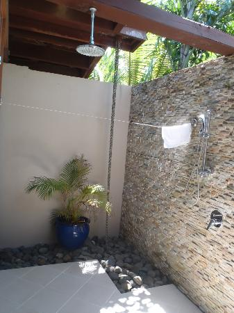 Shangri-La's Fijian Resort & Spa: Outdoor shower