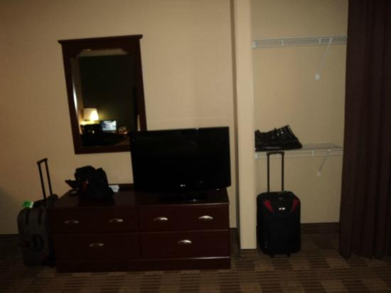 Extended Stay America - Tampa - Airport - Spruce Street: TV