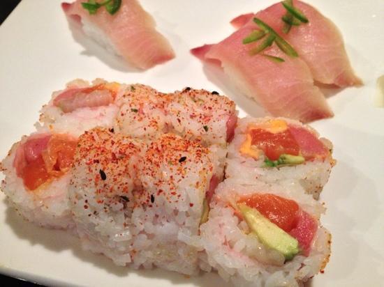 Halu Sushi: pink lady roll