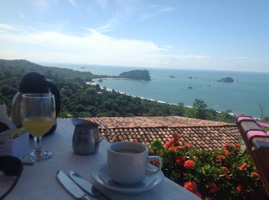 La Mariposa Hotel: View at Breakfast