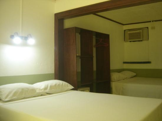 Montezuma Pacific Hotel: guest room