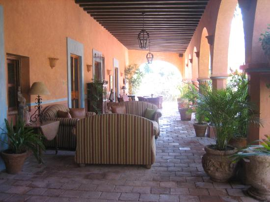 Hacienda De Los Santos: Our patio outside our room