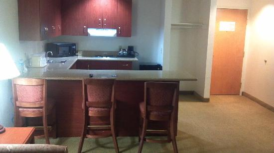 Comfort Suites Arena: Kitchen Area
