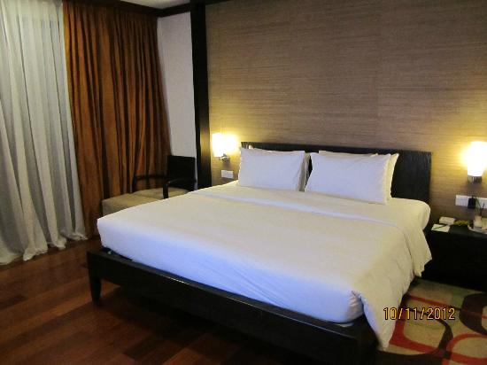 Nexus Resort & Spa Karambunai: King size in Master bedroom Spa Suite
