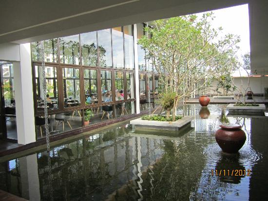 Nexus Resort & Spa Karambunai: Reception area
