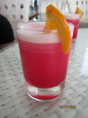 เนกซัสรีสอร์ท แอนด์ สปา การัมบูไน: Welcome drink