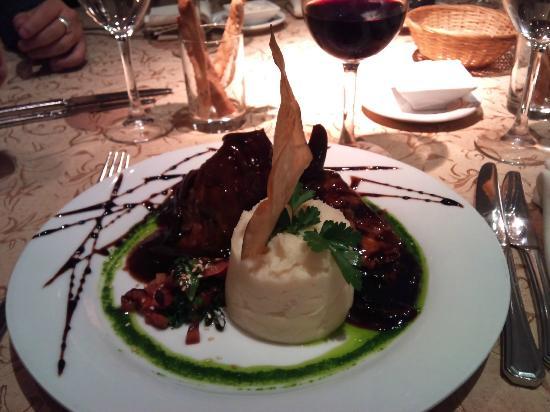 Restaurante Don Salvador: Presentacion de primer nivel en un ambiente calido