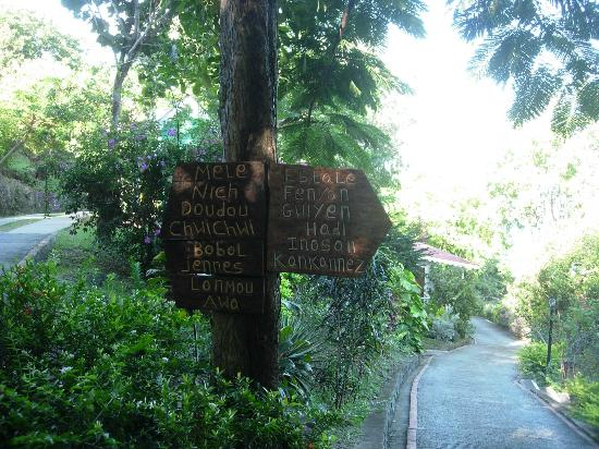 Ti Kaye Resort & Spa: Signpost to cottages