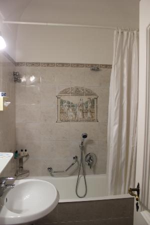 Hotel Villa Sanfelice: Bathroom