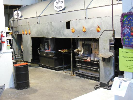 New Orleans Glassworks & Printmaking Studio