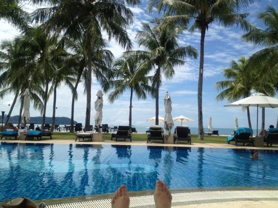 Casa del Mar, Langkawi: relaxing by the pool