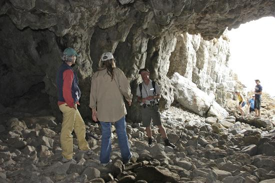 ‪‪Grootbos Private Nature Reserve‬: Cave excursion at Walker Bay w/Christoff‬