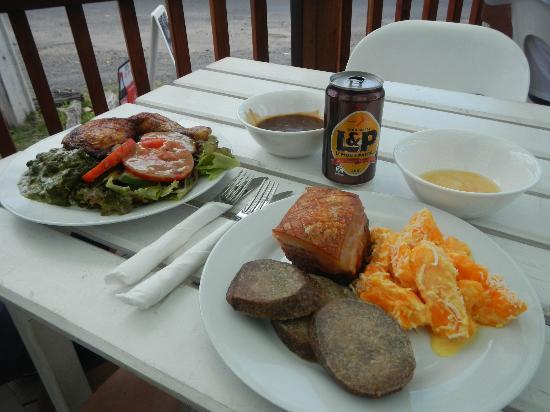 Sea-Salt : Lunch at Mama's