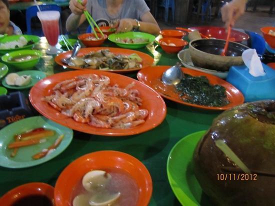 Salut Seafood : more