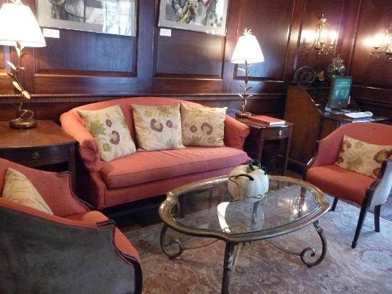 Kimpton Morrison House: one of the sitting areas