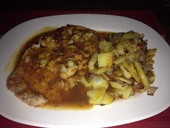 The Crocodile River Bistro: garlic schnitzel with fried potatoes