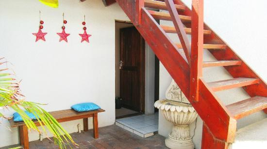 Dolphin Inn Guesthouse-Blouberg: Outside area leading to Room 6,7,8 & 9 (upstairs)