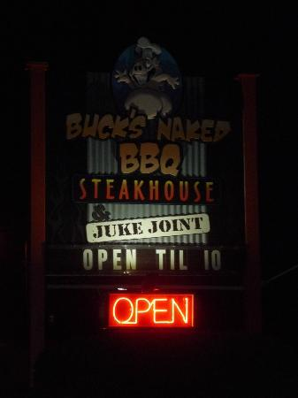 Bucks Naked BBQ Slow, Low & Naked