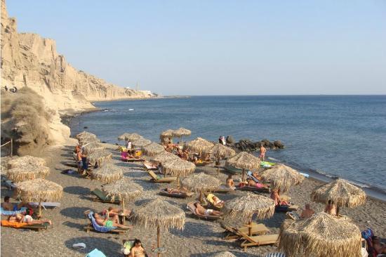 Theros Wave Bar: The beach