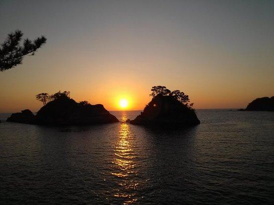 西伊豆町, 静岡県, 携帯で撮影。西伊豆の見事な夕日が見れます。