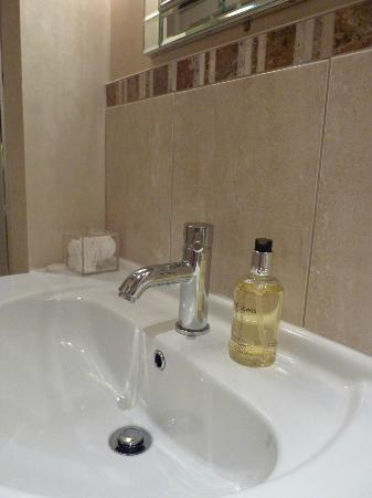 Arden House Bed & Breakfast Bexhill: Quality toiletries in bathroom