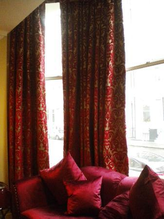 Radisson Blu Edwardian Vanderbilt: Nice big windows ))