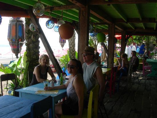 Pelangi Bali Hotel : One of the Tapas Warungs just outside of the Pelangi