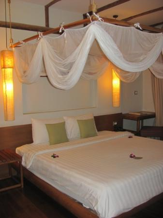 Metadee Resort and Villas: our room