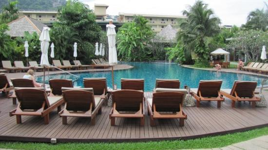Metadee Resort and Villas: the stunning pool