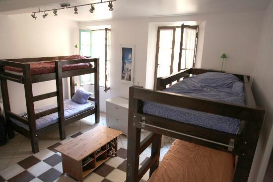 The Crew Grapevine : Portside House, Generous Bedrooms, comfy beds made for adults