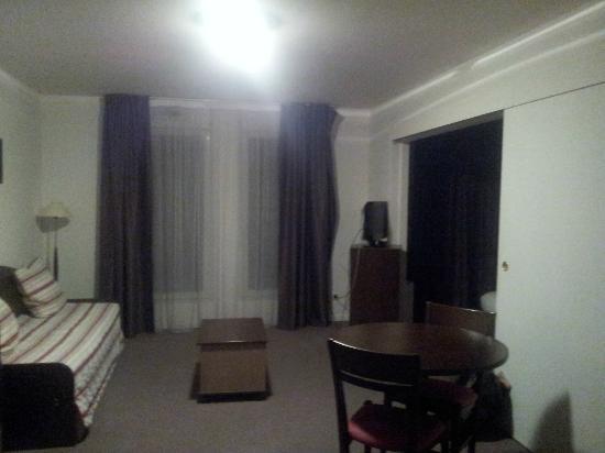 Comfort Suites Port-Marly Paris Ouest : le salon