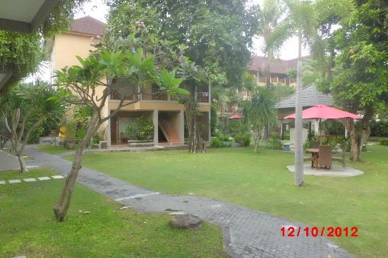 Dewi Sri Hotel: Rooms 401 402 403 404 a secluded little block of four