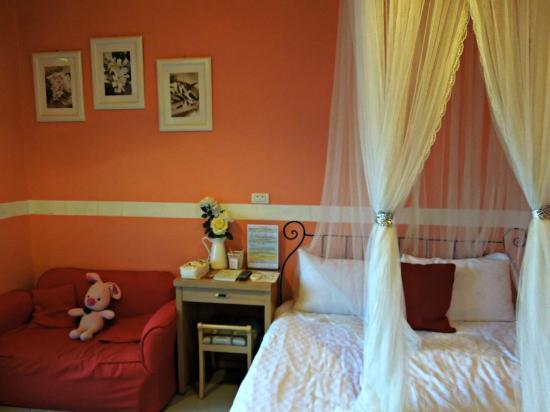 Pig' Home ('minsu'): Pink room for girls