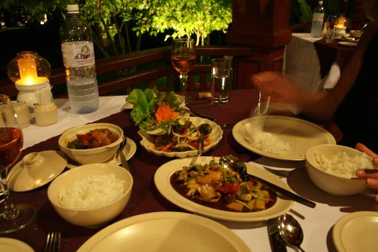 Kuramathi Island Resort: Meal at Siam Garden