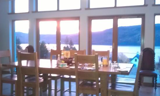 Loch Dubh: Breakfast