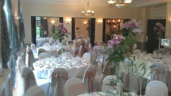 Llansantffraed Court: Weddings in the Monmouthshire Suite