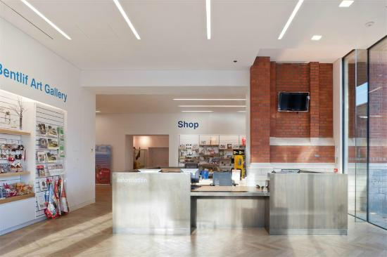 Maidstone Museum & Bentlif Art Gallery: The Musejm's new shop and reception