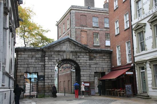 Historical Walking Tours of Dublin : Dublin Castle