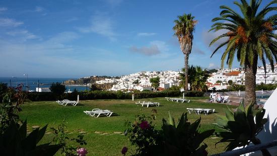 Hotel Almar: View from ground floor terrace