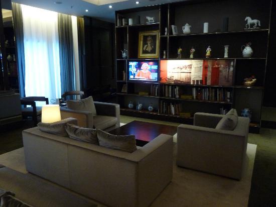 Porto Palacio Congress Hotel & Spa: coin salon hôtel